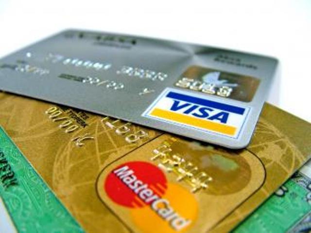 karty-kredytowe-czy-kredyt kredyty gotówkowe Karta czy kredyt