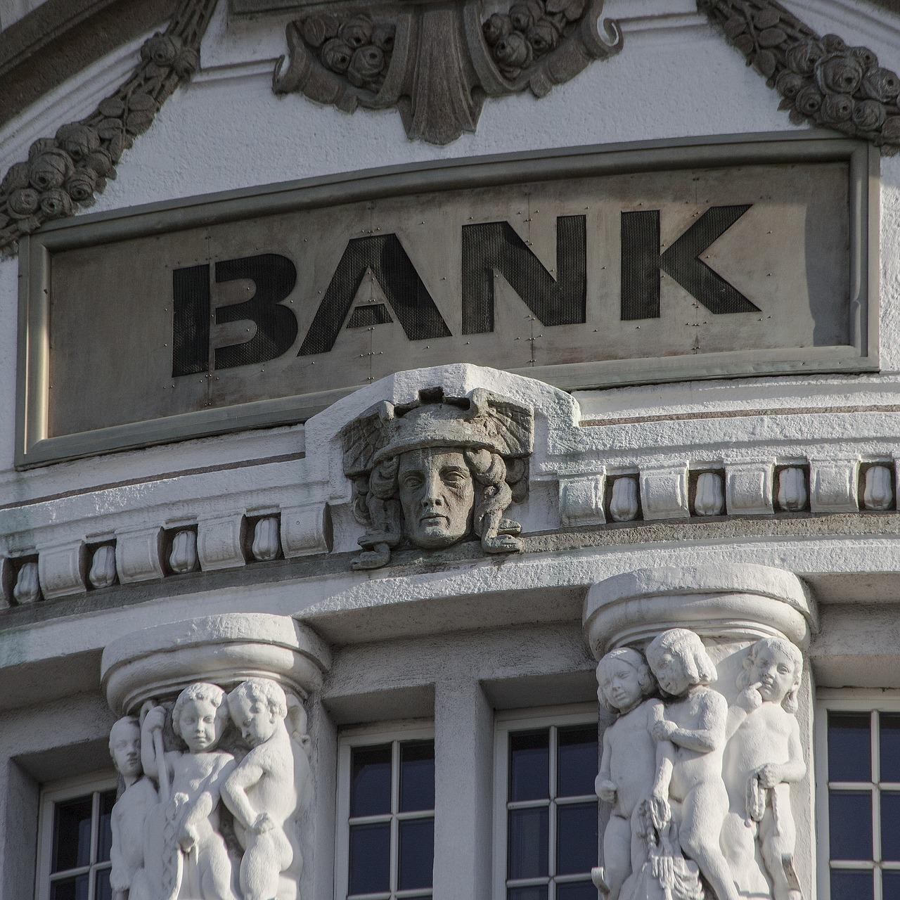bank-2907728_1280 zdolność kredytowa Historia w BIK